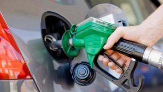İran'da benzin artık Yakıt Kartı ile satılacak