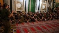 Yahudi Yerleşimciler İbrahim El-Halil Camii'nde Müzikli Kutlama Yaptı