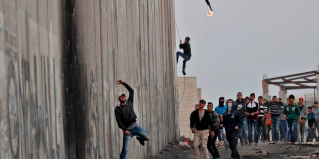 Foto: Filistin Halkı, Kudüs'e Sahip Çıkma Eylemlerinde Bugünde Sokaklardaydı