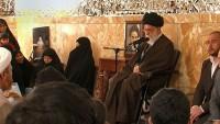 İmam Ali Hamanei Şehit Aileleriyle Görüştü