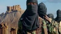BAE Yemen'de IŞİD'in bayrağını göndere çekti