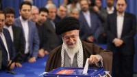 İmam Hamaney: Halk, ülkenin istiklal ve onuru için seçimlere katılsın