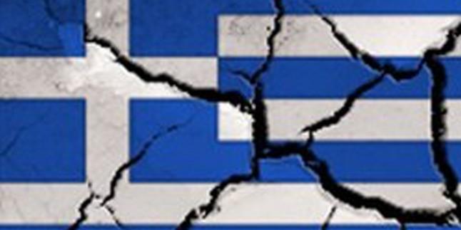 Hükümetin Kemer Sıkma Politikasına Karşı Yunan Halkı Ayaklandı…