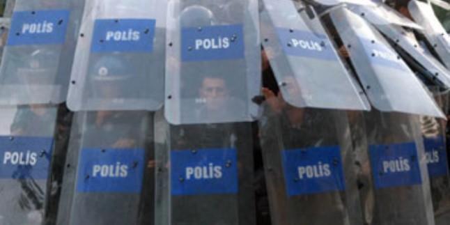 Burası Türkiye Yetkilileri Protesto Etmek Yasak…