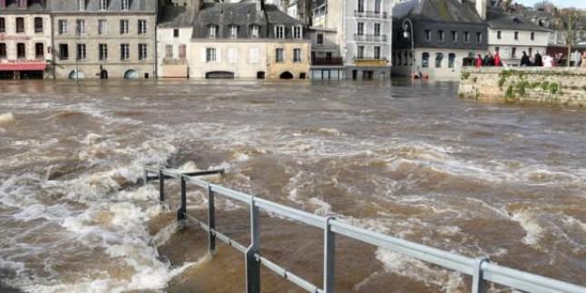 Fransa'nın güneyinde sel alarmı