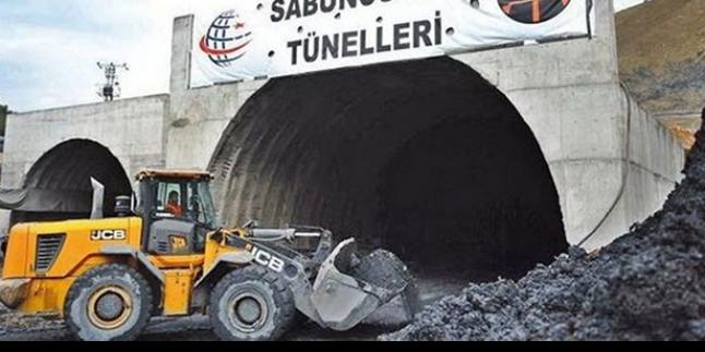 Tünel işçileri paralarını alamıyor