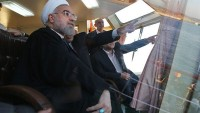 İran Deniz Kuvvetleri'nin Büyük Askeri Geçidi Başladı