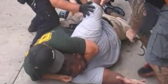 Eric Garner'ın Katili Olan Polis İçin Takipsizlik Kararı Verilmesi ABD Halkını Çileden Çıkardı…