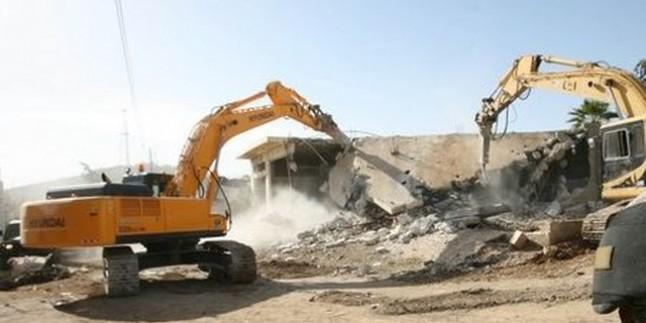 Irkçı İsrail, Doğu Kudüs'ü yıkmaya devam ediyor
