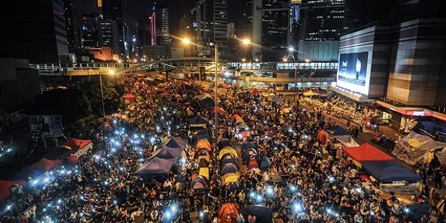 Hong Kong'da protestocuların lideri açlık grevinde