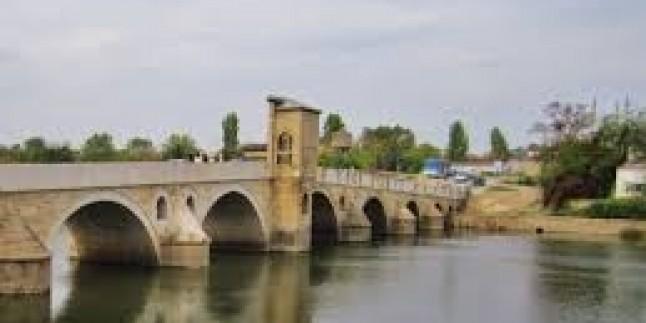 Tunca Köprüsü Yağışların Dinmesiyle Tekrar Trafiğe Açıldı…