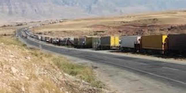Türkiye-İran Sınırında 12 Km'lik Tır Kuyruğu Oluştu…