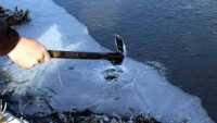 Ardahan'da Kura Nehri buz tuttu