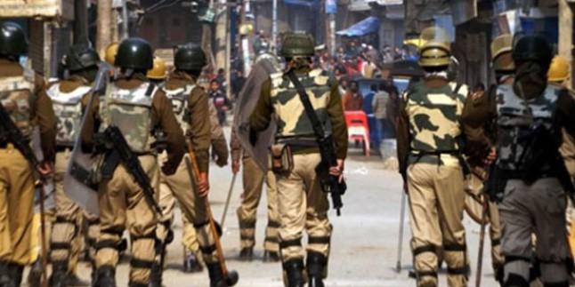 Keşmir'de Hint askeri üssü basıldı: 13 ölü