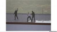 Mersin'de İşçiler Paralarını Alamadıkları Gerekçesiyle Kendilerini Yakmaya Kalkıştılar…