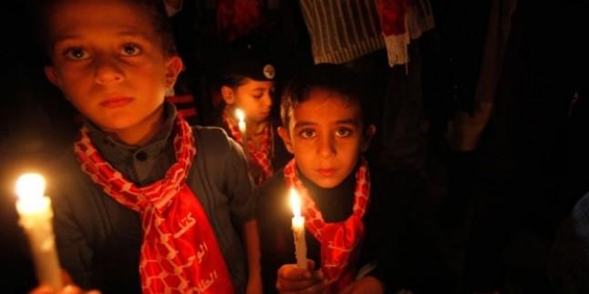 Gazze'nin Kuzeyindeki Cibaliye Mülteci Kampı Sokaklarında Elektrik Kesintileri Protesto Edildi…