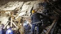 Bosna'da heyelan evleri yıktı