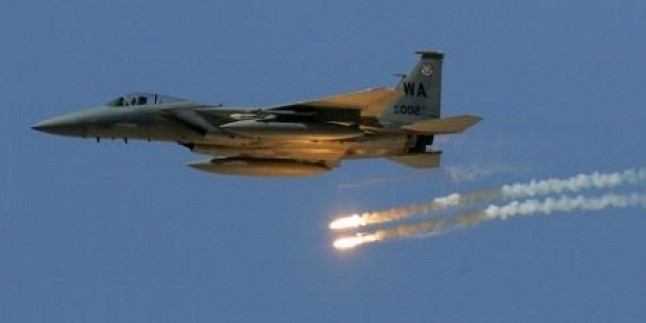 NATO savaş uçakları Afganistan'da 18 kişiyi öldürdü
