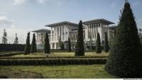 Halkımız Sefalet İçerisinde, Ak Saray'ın Çiçekleri 400 Bin Lira…