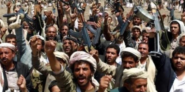 Yemen Hizbullahı Enformasyon Bakanı Nadiye es-Sekkaf'ın Sana'daki Ofisini Bastı…