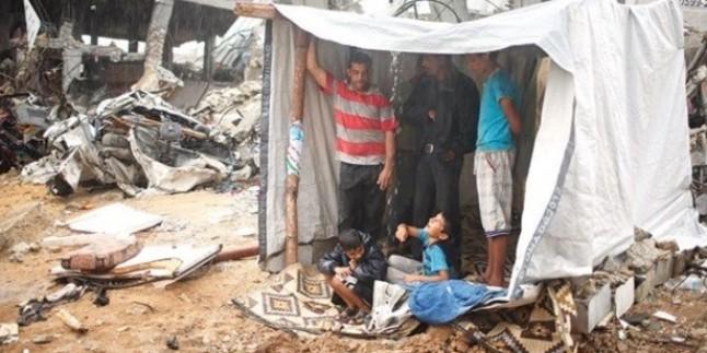 Gazze'nin Han Yunus Şehrinde Bir Bebek Donarak Vefat Etti…