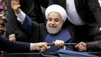Foto: Ruhani, Kum'da Halkın Yoğun Sevgisiyle Karşılandı…