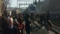 İsviçre'de İki yolcu treni çarpıştı: 50 yaralı…