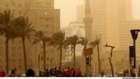 Mısır'ın başkenti Kahire'yi kum fırtınası esir aldı…