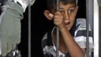 Filistinli çocuklara Siyonist rejim tarafından işkence yapılıyor.
