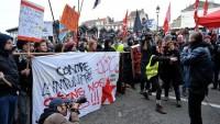 Brüksel'de polis protesto edildi.
