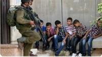 İşgal Güçleri Mescid-i Aksa'nın Avlusunda Oynayan 6 Çocuğu Gözaltına Aldı.