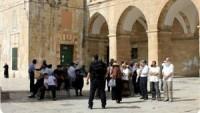 Siyonistler, Yine Mescid-i Aksa`ya Baskın Düzenledi