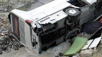 Brezilya'da yolcu otobüsü uçuruma yuvarlandı: 51 ölü