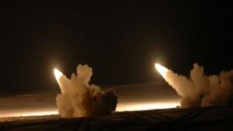 Suriye Ordusuna Ait Hava Savunma Sistemleri Siyonist İsrail'in Füze Saldırısına Karşı Koyarak Def Etti