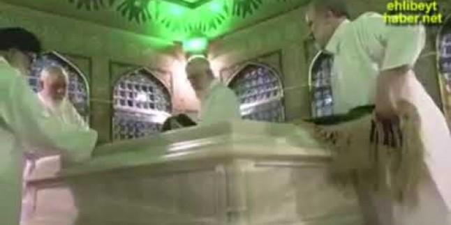 İmam Ali Hamaney, İmam Rıza'nın Hareminde