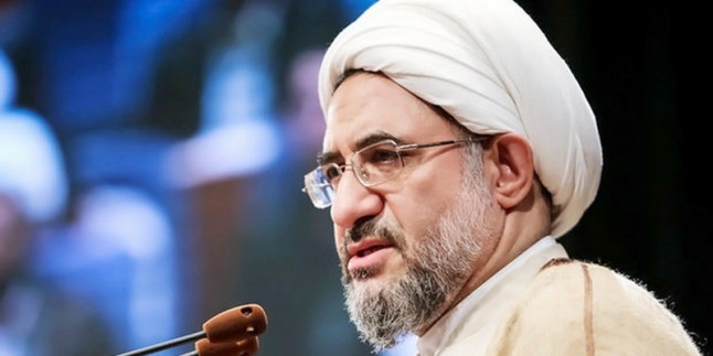 Ayetullah Eraki: Müslümanlar ancak vahdet ile kendi varlığını koruyabilirler