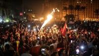 Kahire'de es Sisi protesto edildi