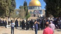 Siyonist yerleşimciler ile Filistinliler arasında Aksa avlusunda çatışma yaşandı