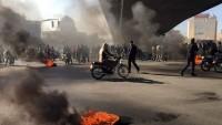 İran'ın Kerec ve Şiraz kentlerinde 180 gösterici gözaltına alındı