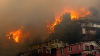 Şili'deki orman yangınlarında 200'den fazla ev kül oldu