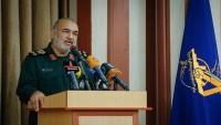 İran Devrim Muhafızları: İran Halkı ABD'ye Sert Bir Tokat Vurdu
