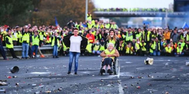Fransa'da hayat durdu! Çatışma haberleri geliyor