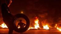 Kerbela kentinde ABD yanlısı göstericiler ile güvenlik güçleri arasında çatışmalar yaşandı
