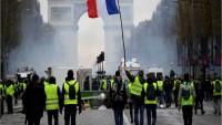 Fransa'da Sarı Yeleklilerin Protestoları Dinmiyor: Son Gösterilerde 5 kişi yaralandı