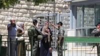 İşgalciler, Filistinliler'in Hz. İbrahim Camii'nde namaz kılmasına engel oldular