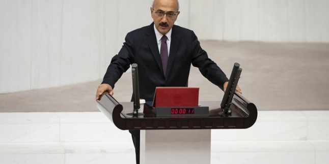 Yeni Bakan Daha İlk Günden Hazine'yi 3,3 Milyar Lira Borçlandırdı