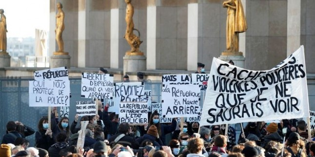 Fransa'da sokaklar yine karıştı!