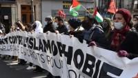 Fransa'da Müslümanları hedef alan yasa tasarısı protesto edildi