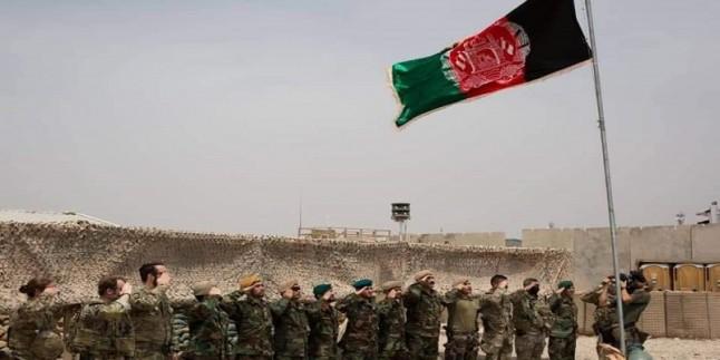 Afganistan'da ABD bayrağı indirildi