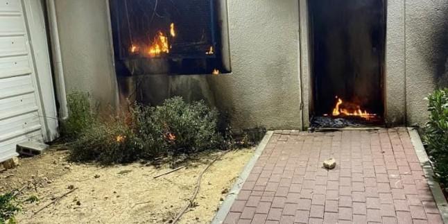 Filistinli Mücahitler Siyonistlere ait bir karakolu daha yaktılar